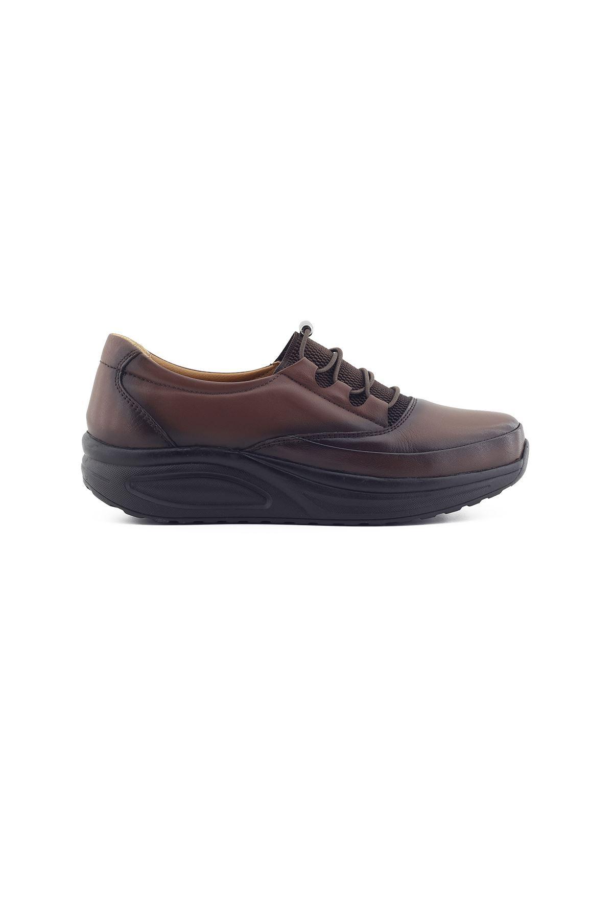 855 Kahve Kadın Yürüyüş Ayakkabısı